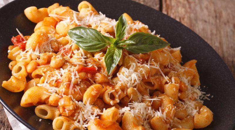Pasta e fasö rusti, primo piatto della tradizione pavese