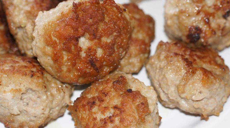 Come cucinare i 'Munighili' pavesi, l'antica ricetta delle famose polpette