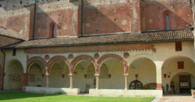 """Pavia, il mercatino del Ri-Uso """"Nuova vita alle cose"""" a San Lanfranco"""