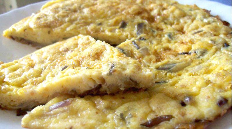 'Frità sui sigul' (frittata con le cipolle), una di quelle ricette di 'casa'